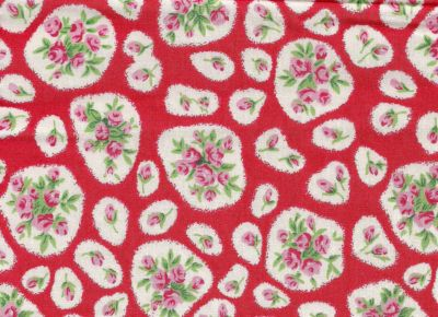 Nursing & Feeding Cushion - April Cottage - RED